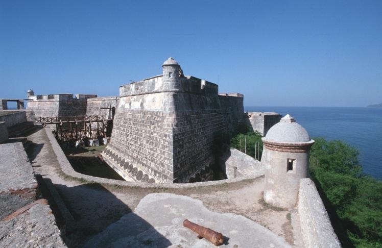 Castillo_del_Morro_by_Glogg_4.jpg