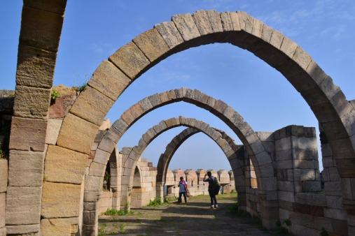 Champaner-Pavagadh_Archaeological_Park.jpg