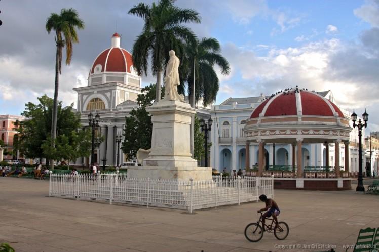 Cienfuegos - Parque Jose Marti
