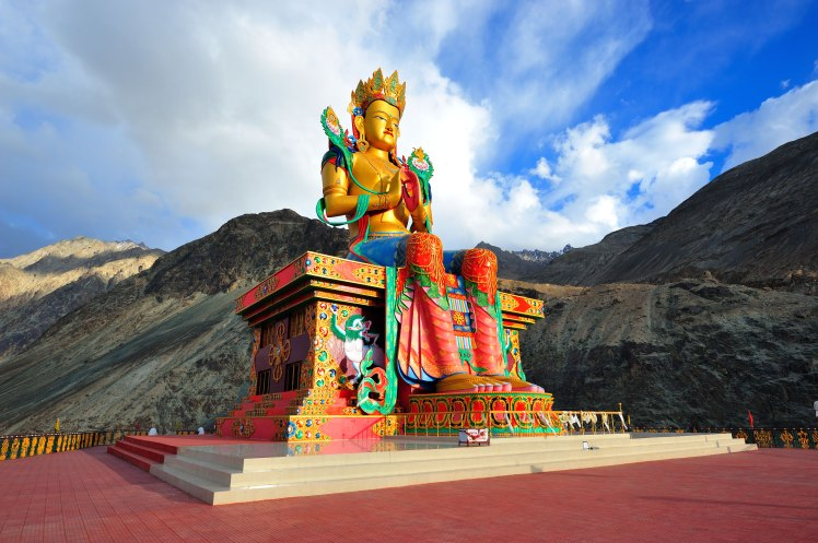 diskit-monastery-statue.jpg