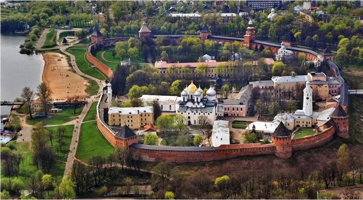 Novgorod Kremlin.jpg