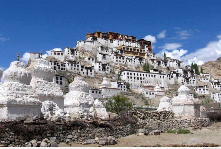 Thiksey-monastery-Leh-2.jpg