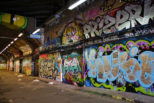 leake graffiti street london
